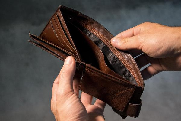 Zadłużony potrzebujący pożyczki